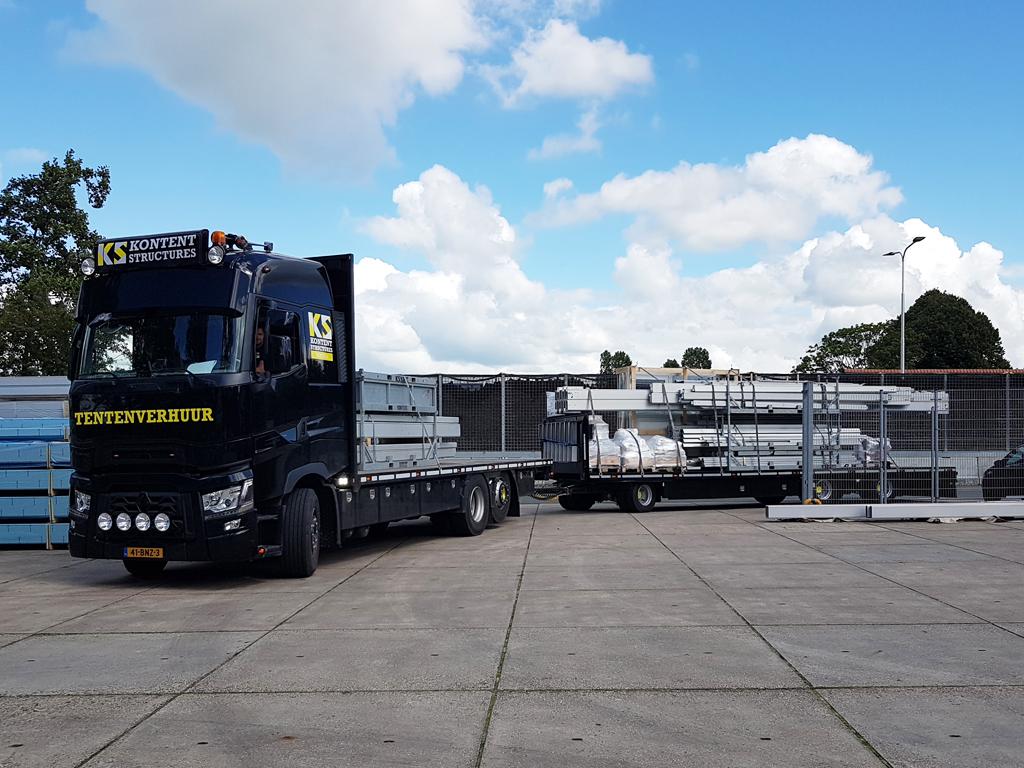 Kontent Structures vrachtwagen met lading