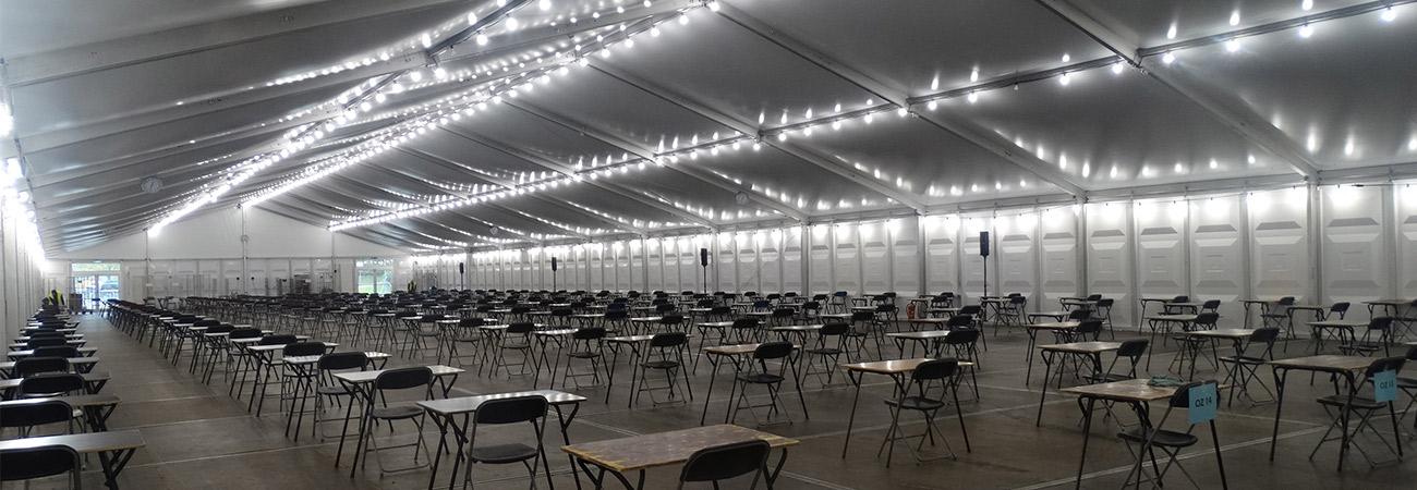 Tijdelijke examenhal Tilburg Universiteit Aluhal